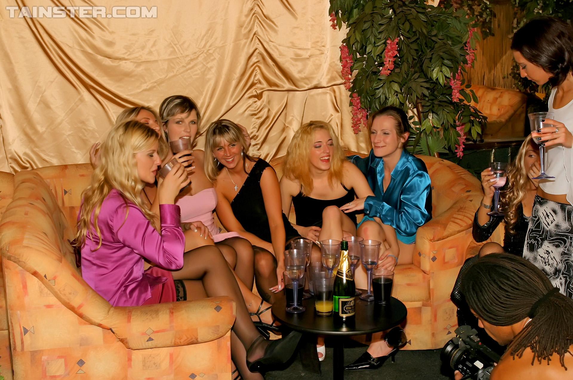 nightclub bernau gay massagen berlin