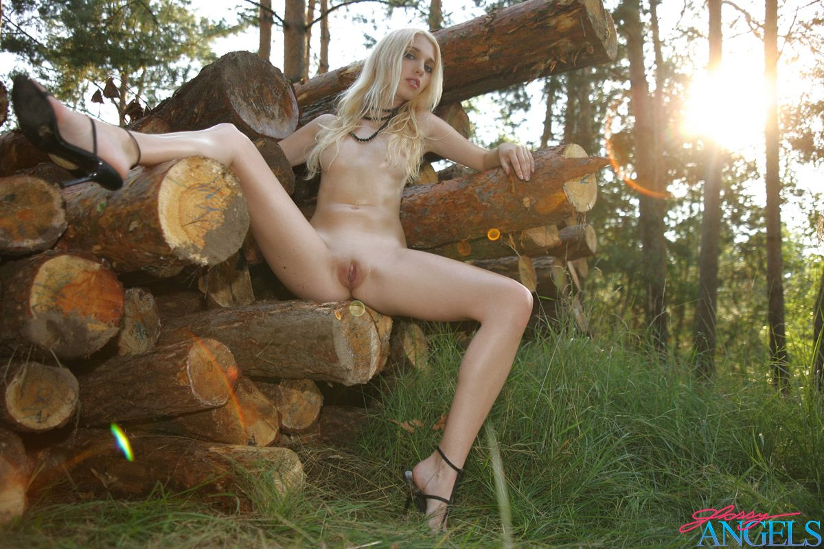 pics a big assortment of exclusive pictures nakedsexywomen over 40